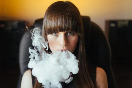 Тютюнопушенето и зъбните импланти